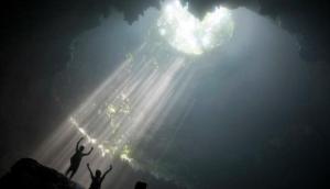 153038_gua-vertikal-sedalam-90-meter-di-luweng-grubug--semanu--gunung-kidul_663_382