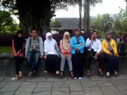 Kesra 2014 UKM Penelitian 2014 di Borobudur :)