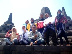 'Puncak' Borobudur :) bersama Kesra UKM Penelitian