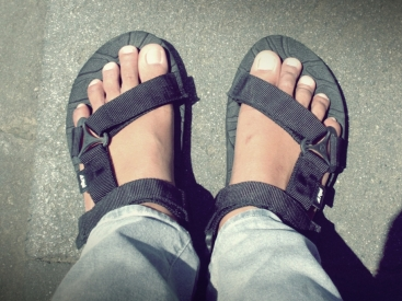 Jejak Petualangan Sandal 'Sakti' Ke Borobudur :D :D